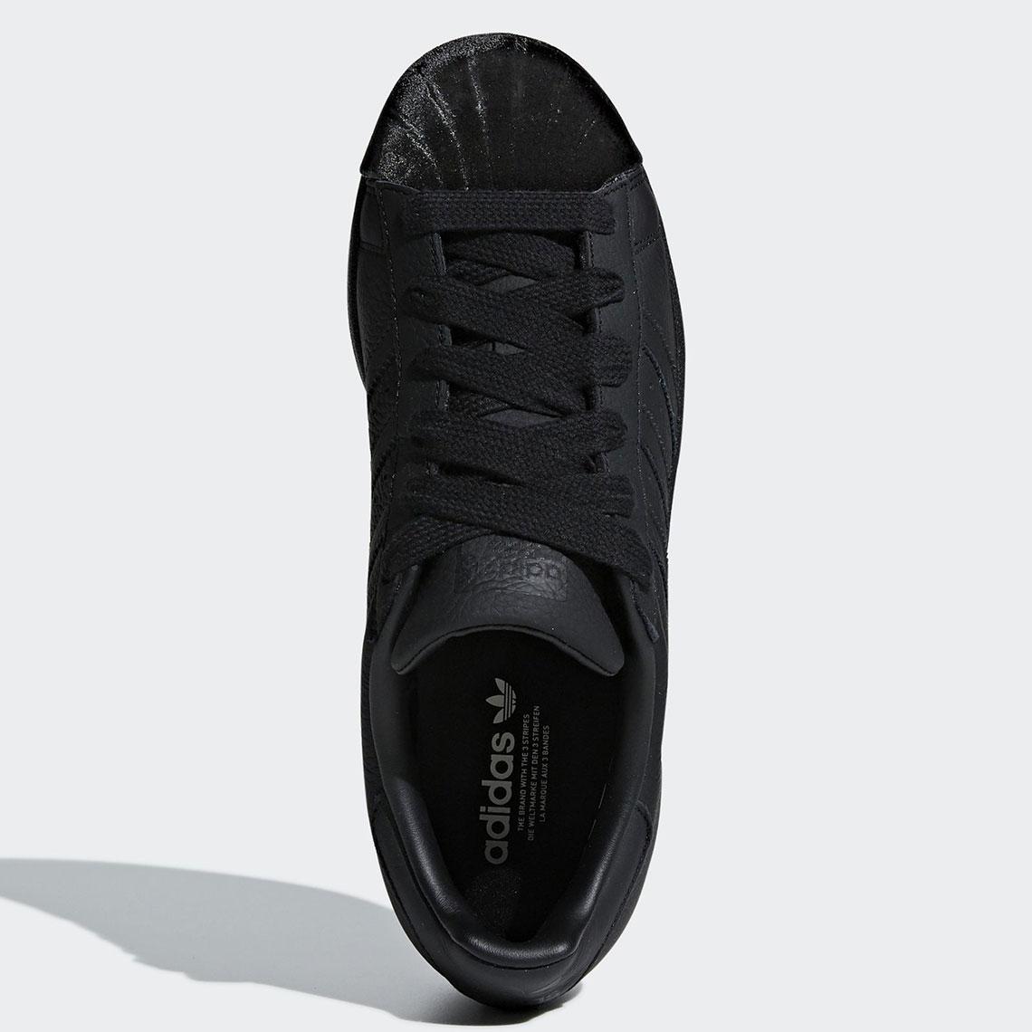 adidas superstar matte black