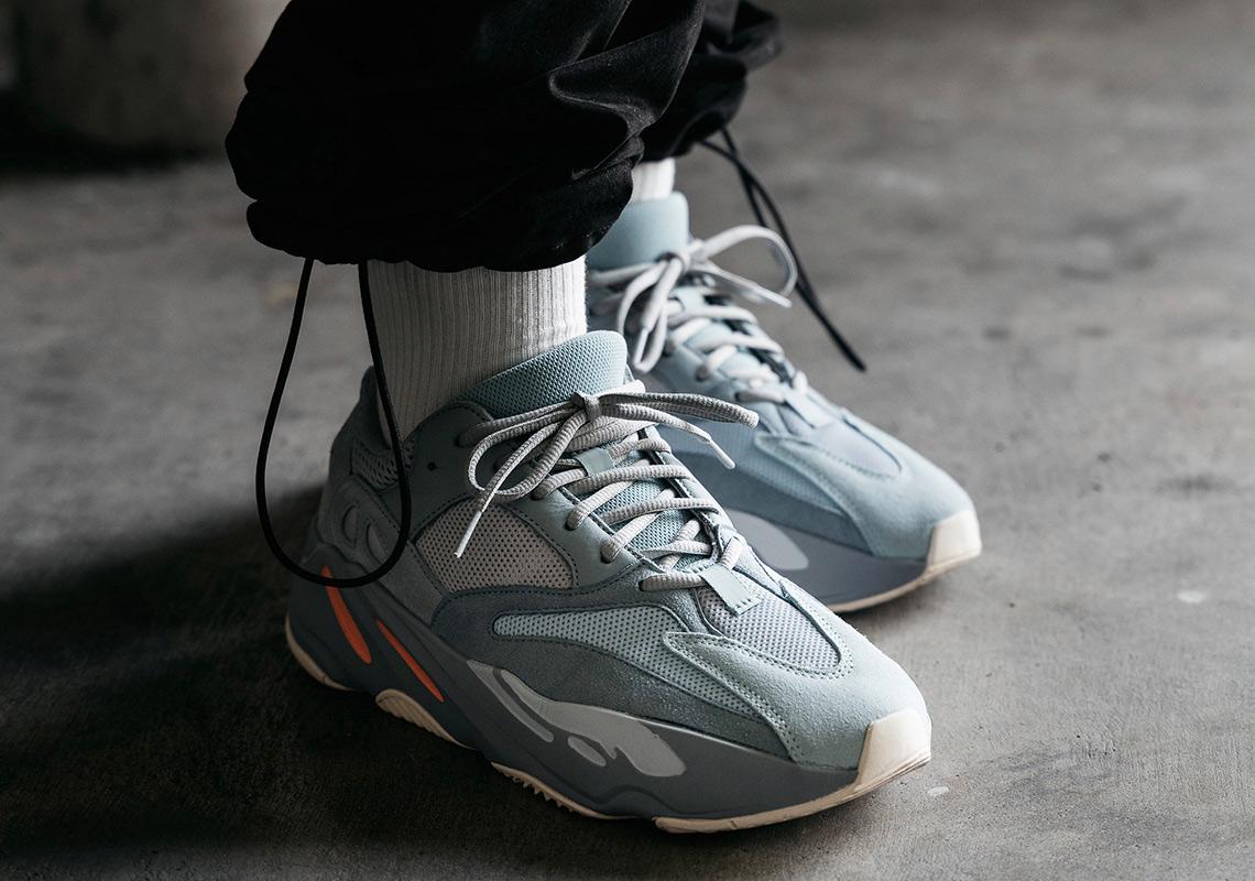 adidas Yeezy 700 \