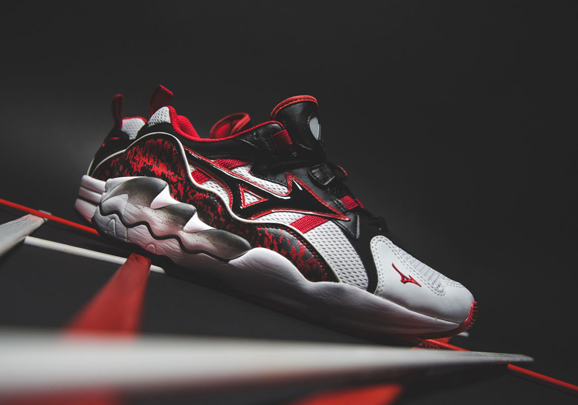 25f81f9f7 The Mizuno Wave Rider 1