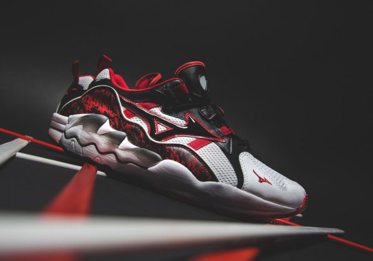 "The Mizuno Wave Rider 1 ""Splatter"" Pack Offers Up Two Color Options"