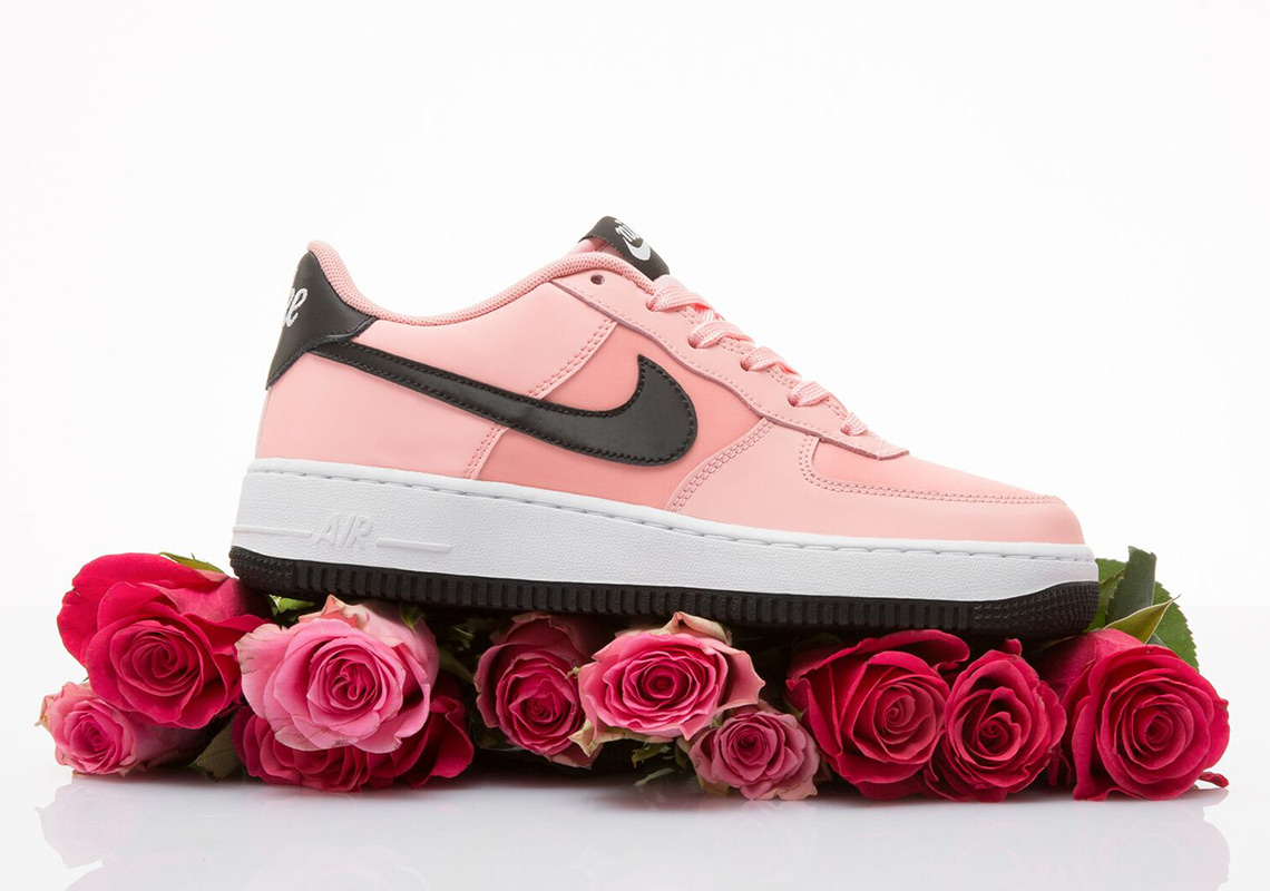 Nike Air Force1 Low Valentine's Day