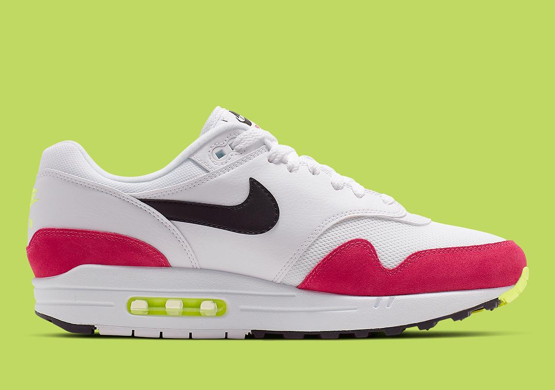 f49d8754849fe5 Nike Air Max 1 Volt Rush Pink AH8145-111 Info
