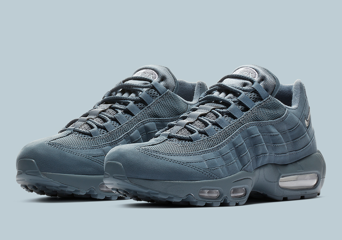 differently ad6dc a2355 Nike Air Max 95 SC Goes Tonal Blue