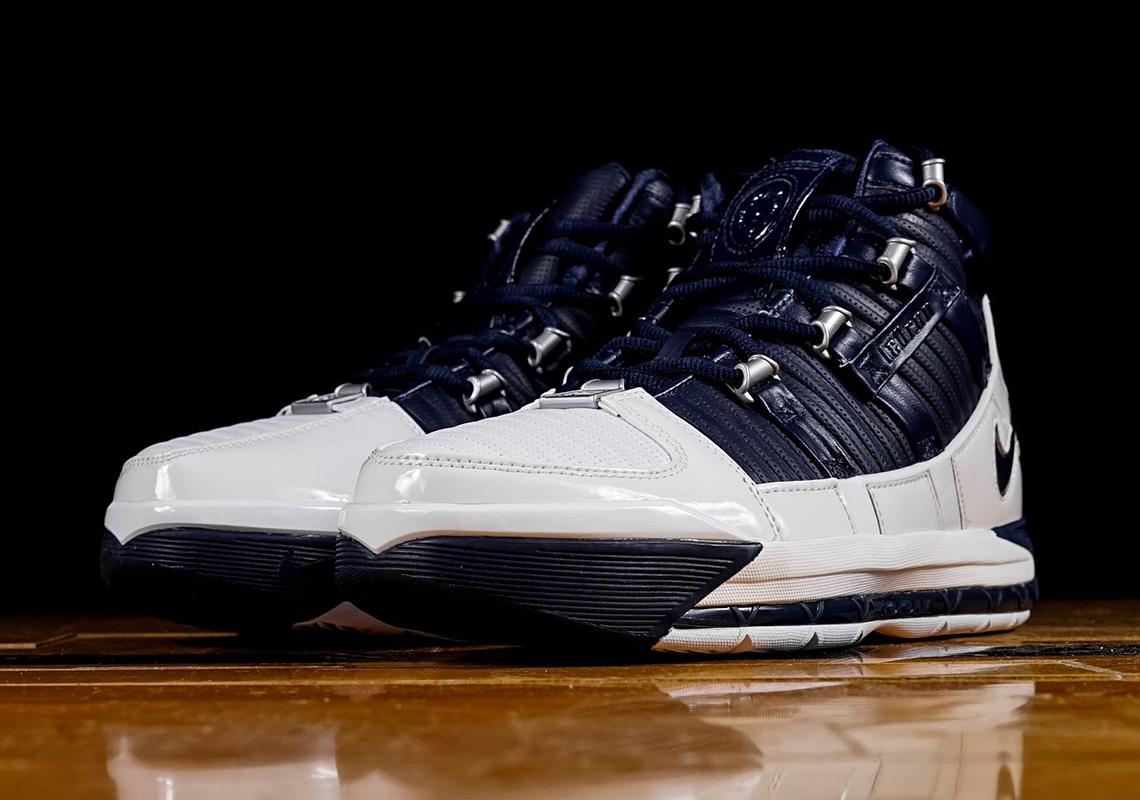 """e03eaf494c8 The Nike LeBron 3 OG """"Navy"""" Releases On February 8th"""