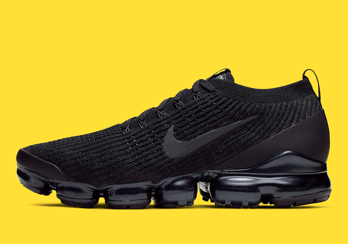 "837acbd679bc Detailed Look At The Nike Vapormax Flyknit 3.0 ""Triple Black"""