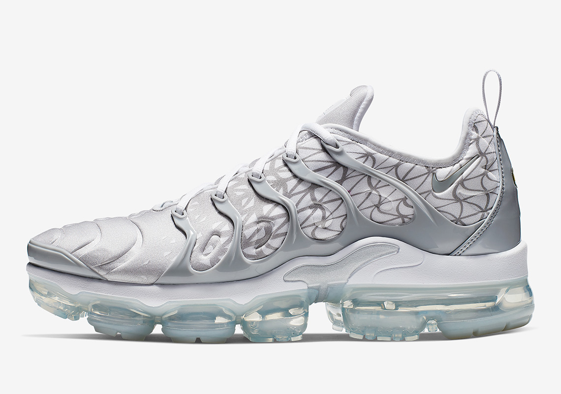 f8c75a17ceafd The Nike Vapormax Plus Returns In White And Silver With Patterns