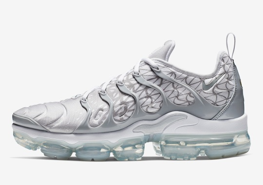 8855468fb104b The Nike Vapormax Plus Returns In White And Silver With Patterns