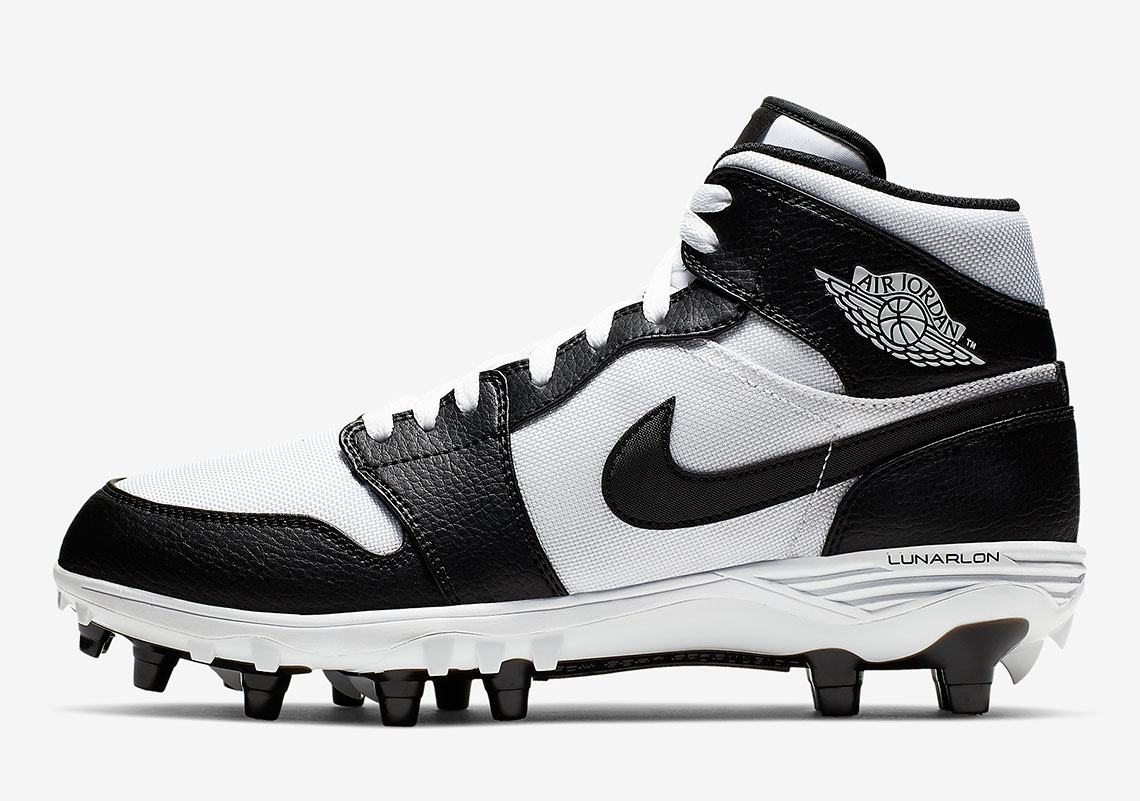 Proscrito Distante Adviento  Air Jordan 1 Football Cleats Release Info | SneakerNews.com