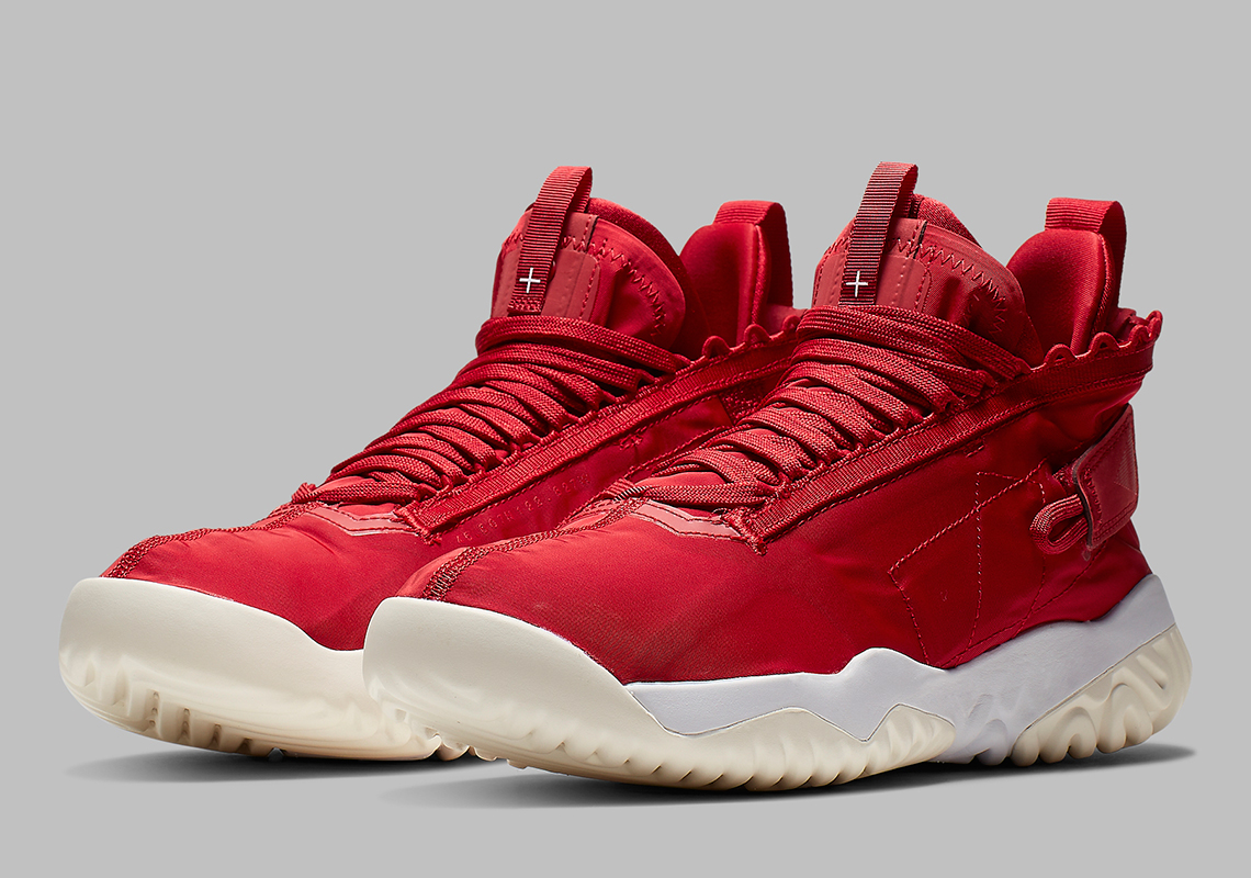 reputable site 5f3f7 86171 Official Images Of The Jordan Proto React In University Red