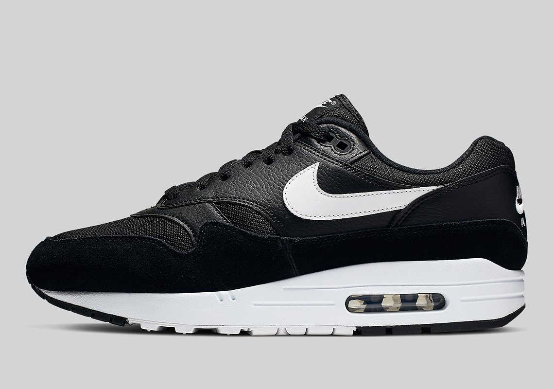 "super popular 71972 0fc82 The Nike Air Max 1 Arrives With A Clean ""Orca"" Look"