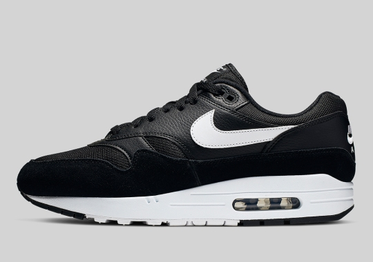 "9fbf5a2014969 The Nike Air Max 1 Arrives With A Clean ""Orca"" Look"