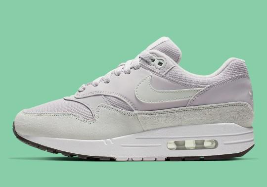 Fresh Spruce Tones Grace This Women's Nike Air Max 1
