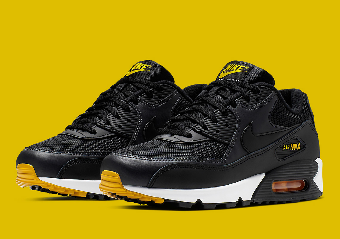 the latest f4524 8b6f7 Nike Air Max 90 Black Yellow AJ1285-022 Release Info ...