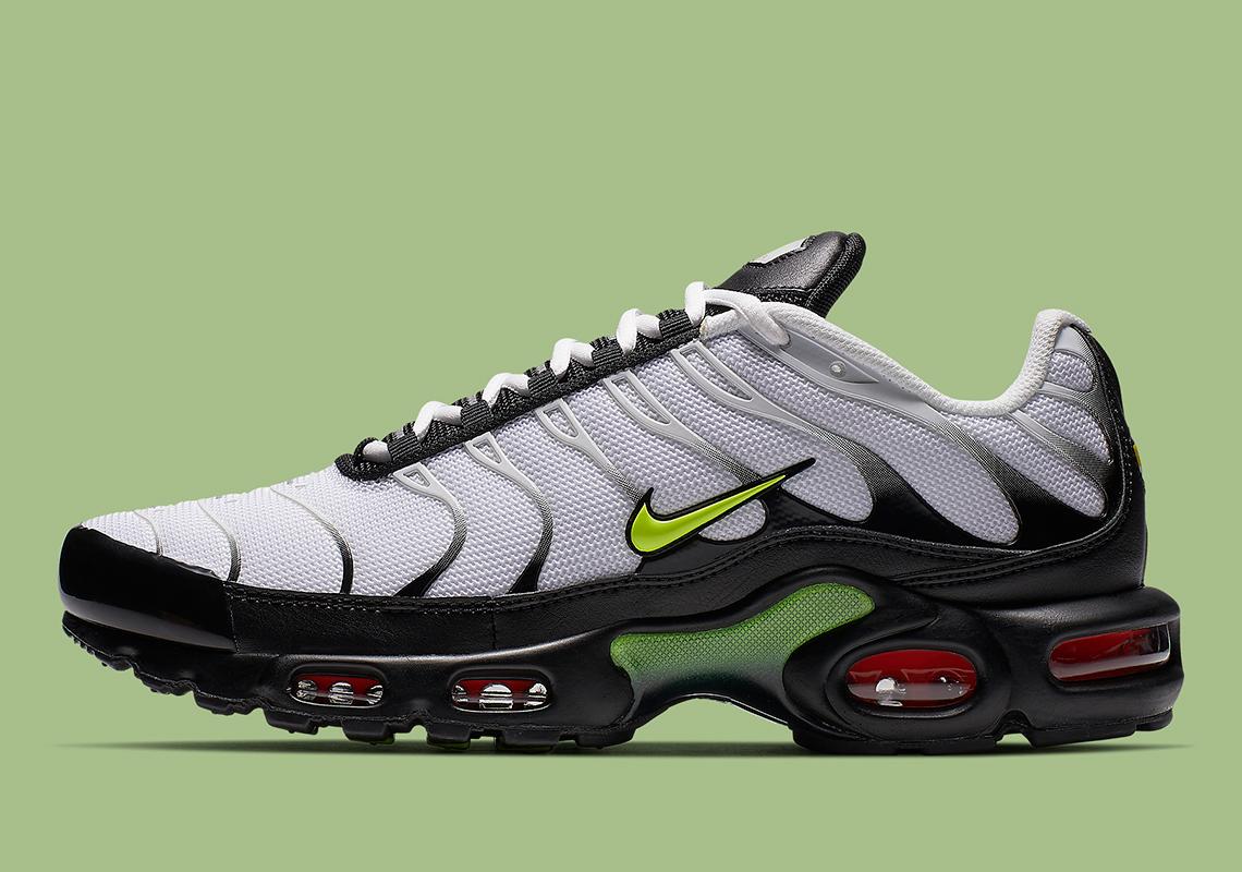 Nike Air Max Plus White Black Volt Aj2013 100 Info Sneakernews Com