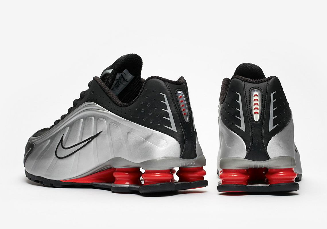 premium selection 417fa 88edd Advertisement. Nike Shox R4