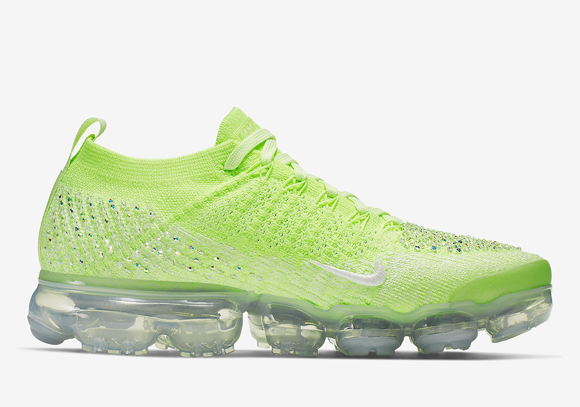 Nike Vapormax 2.0 Swarovski AT5673-700 Release Info  349b771d54