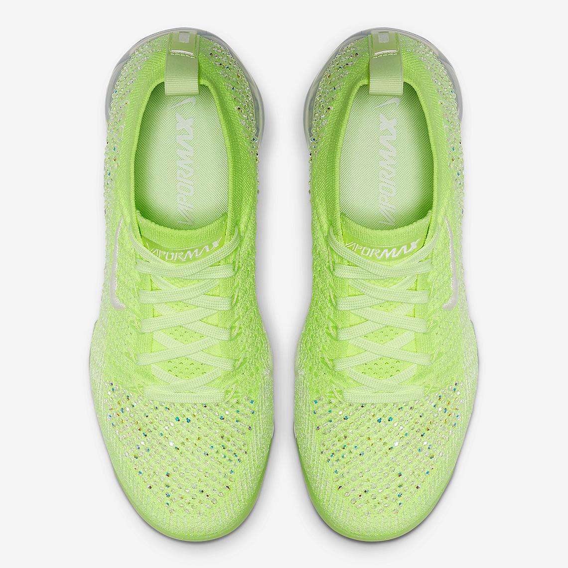 14110a84c9d Nike Vapormax 2.0 Swarovski AT5673-700 Release Info
