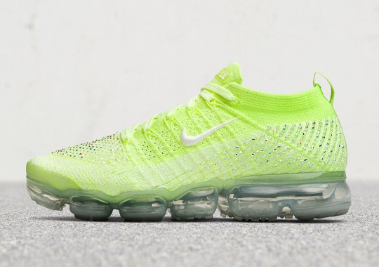 "Nike Vapormax Flyknit 2 ""Swarovski"" For Women Drops This Month"