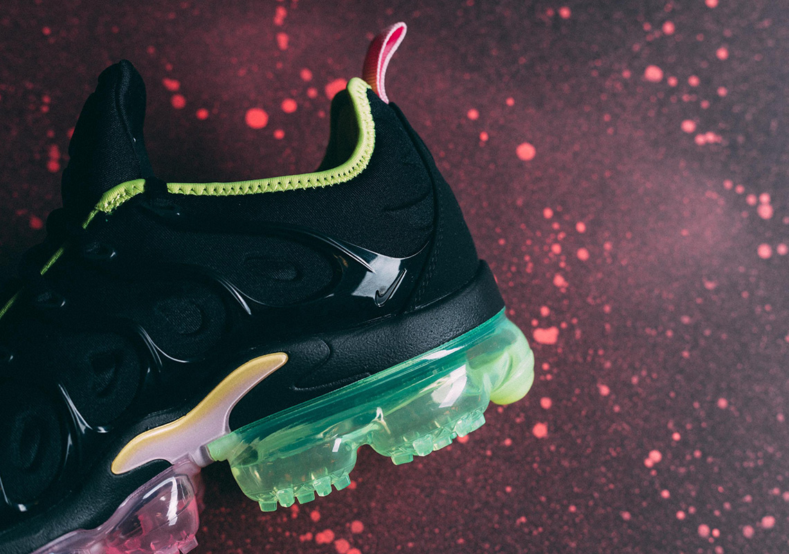 be86c38bc4 Nike Vapormax Plus Pink Rise CI6160-001 | SneakerNews.com