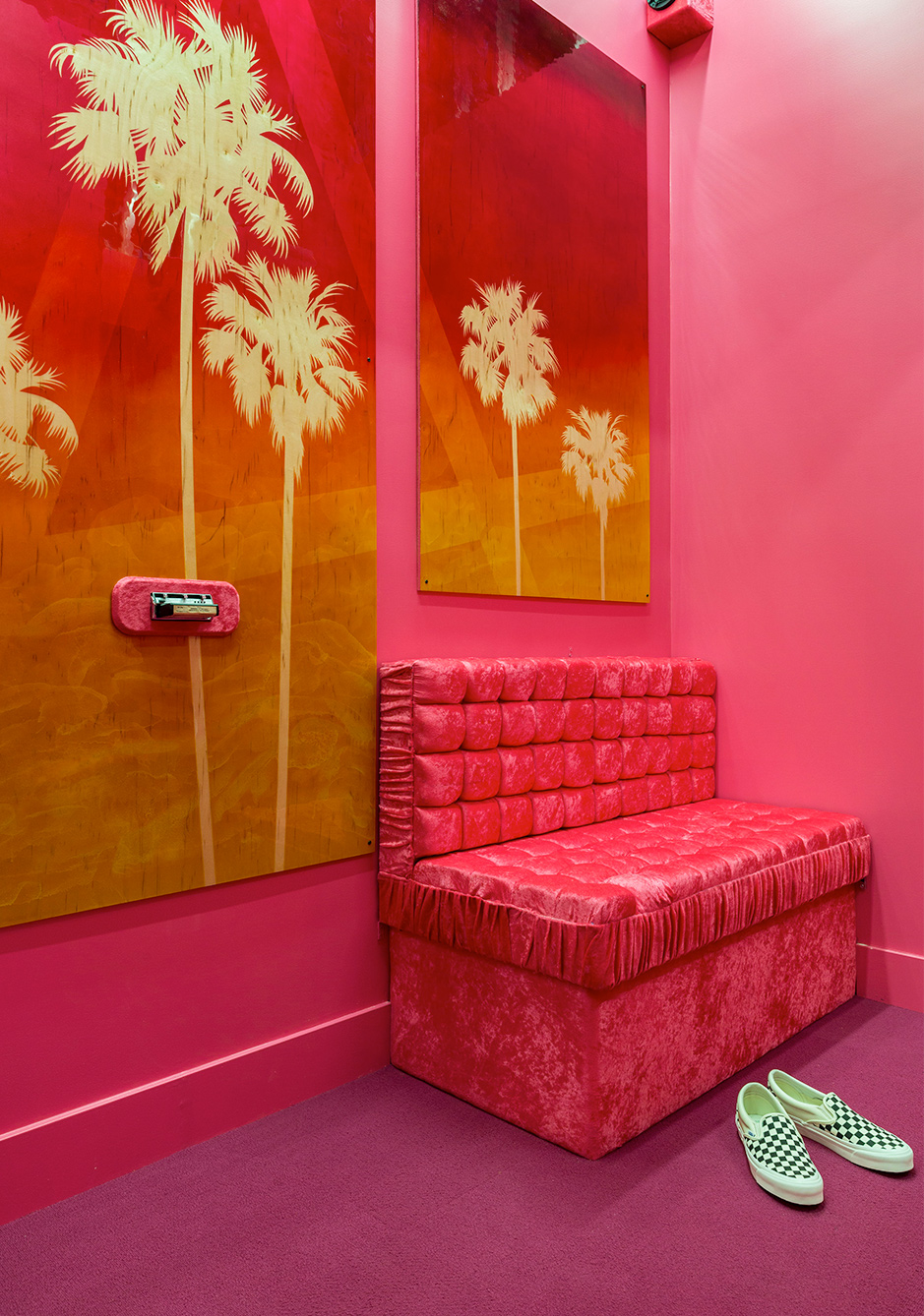 detailing d8cf8 baf39 The fitting room pays tribute to the Los Angeles Car culture