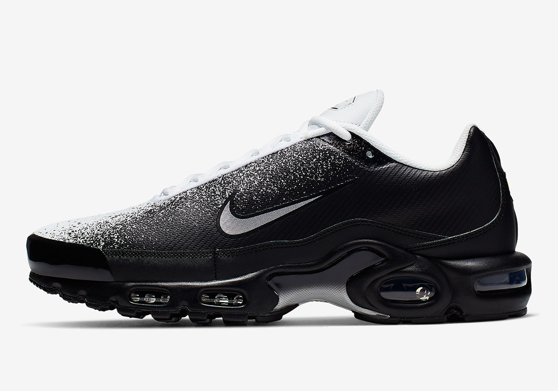 "49be8db4d The Nike Air Max Plus ""Spray"" Appears In Black And White"