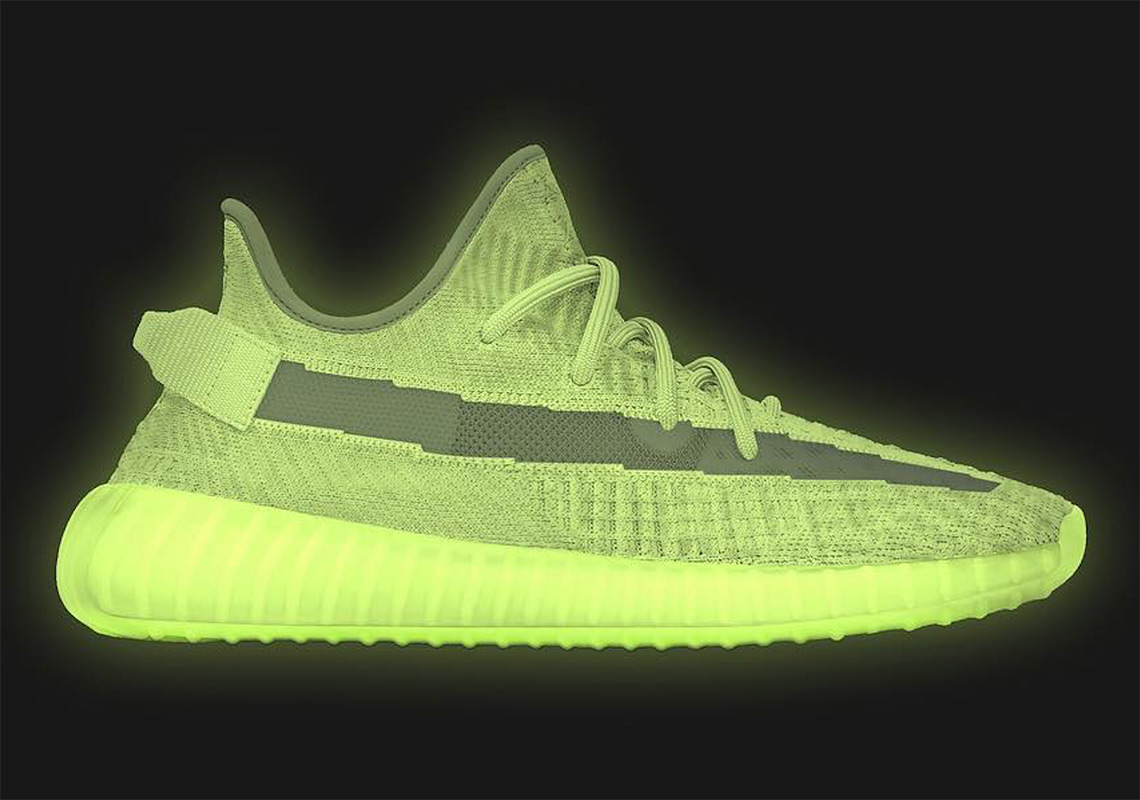 "b7a25c90d32da adidas Yeezy Boost 350 v2 ""Glow"" Releases on May 25th"