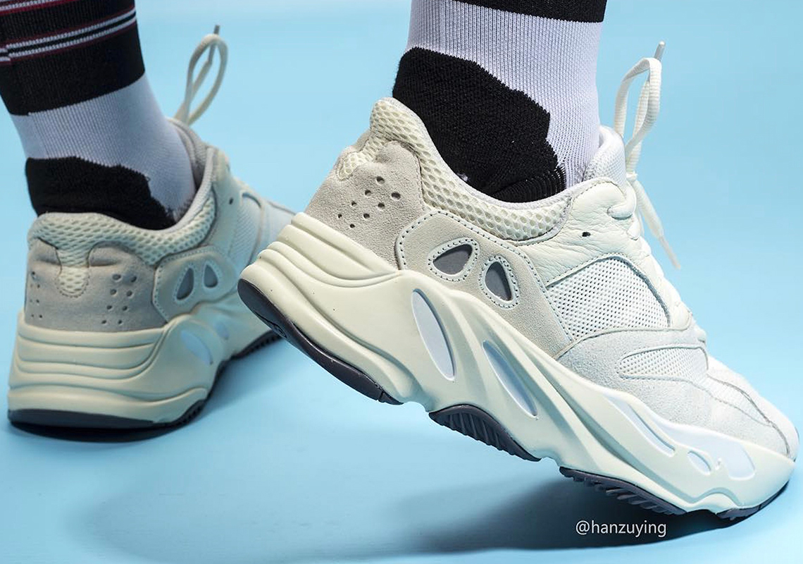 adidas Yeezy Boost 700 Analog EG7596