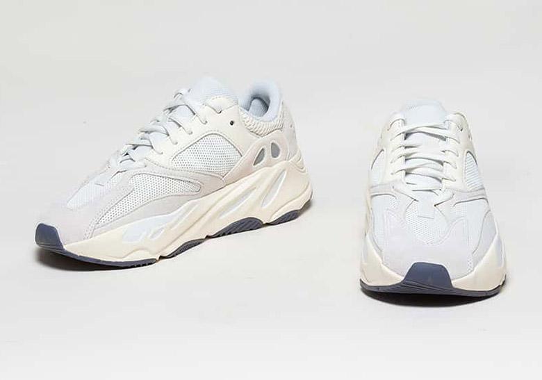 Lujoso Mayordomo brindis  adidas Yeezy 700 Analog - Coming Soon | SneakerNews.com