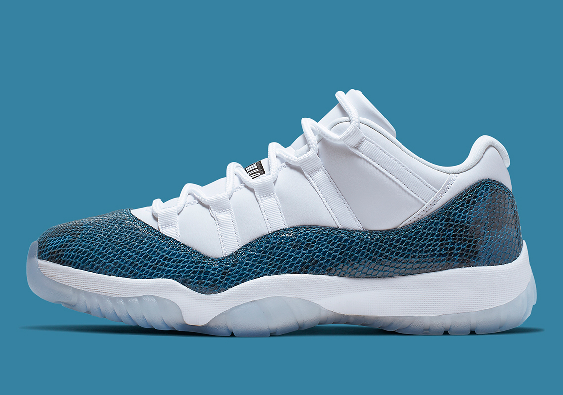 nike air jordan 11 low navy snakeskin