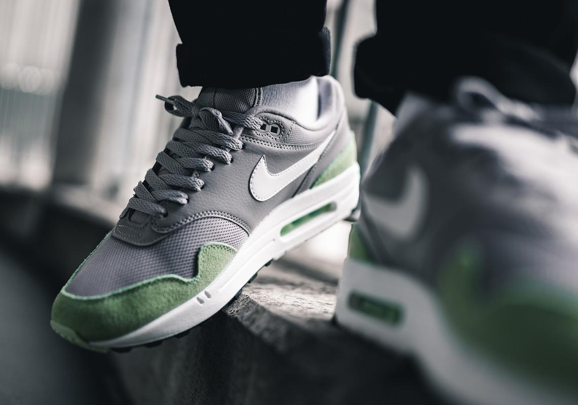 Nike Air Max 1 Fresh Mint Atmosphere Grey AJ8145 015