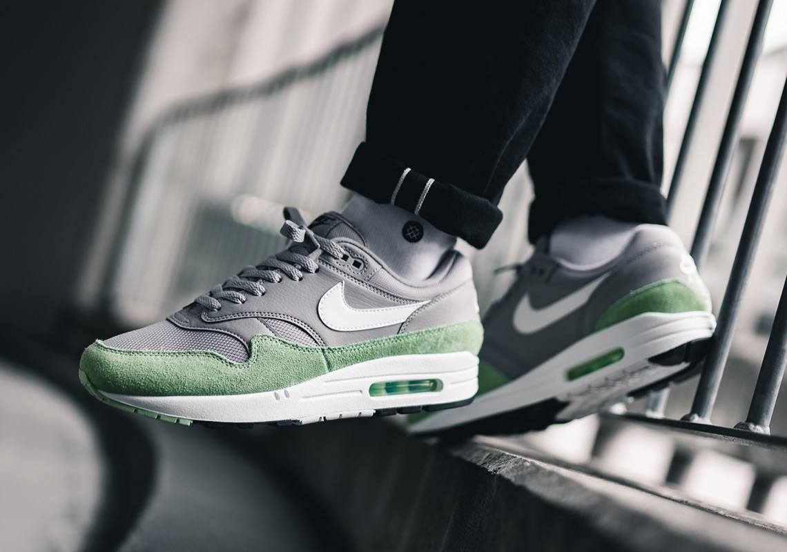Nike Air Max 1 Fresh Mint Atmosphere Grey AJ8145 015