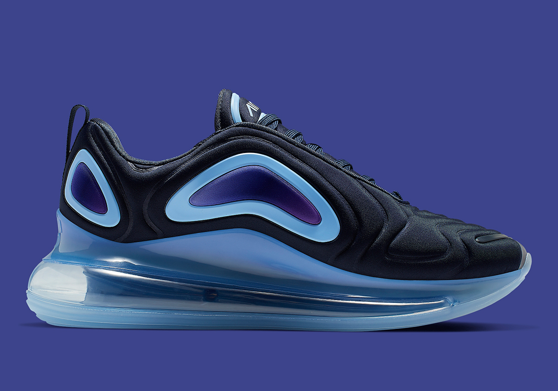 An On Foot Look At The Nike Air Max 720 'Obsidian