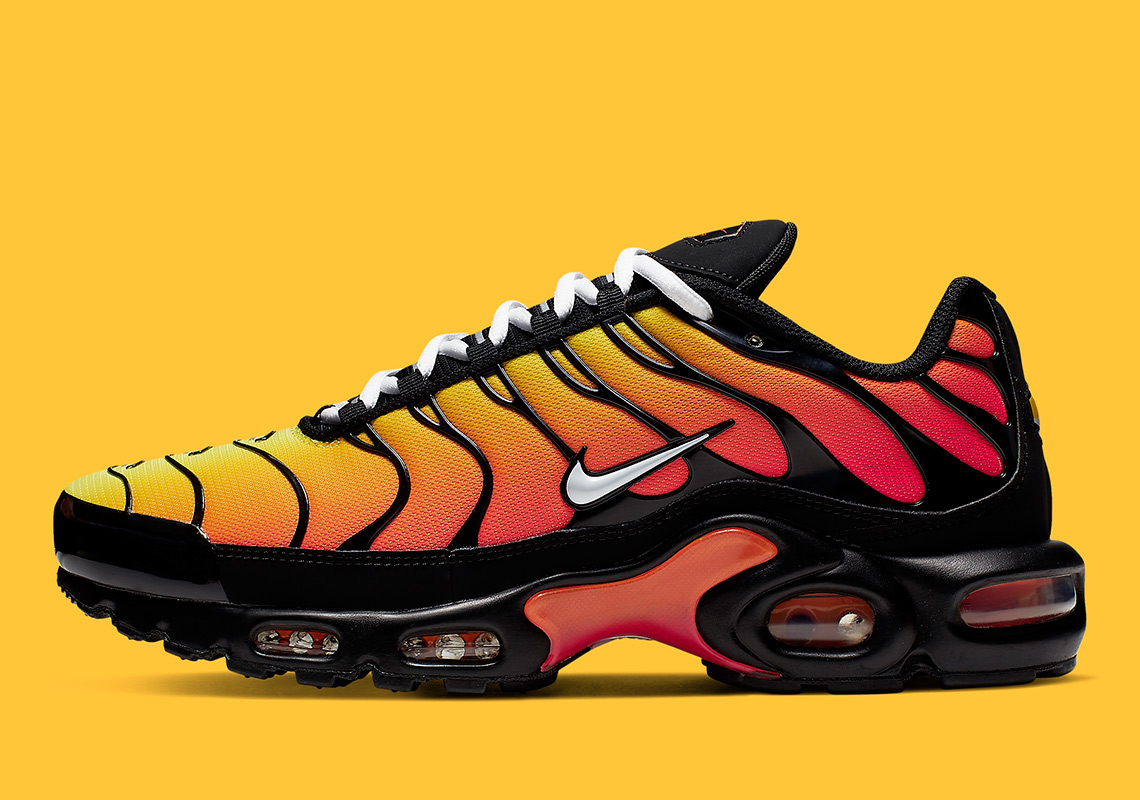 the best attitude bbb0d efa5b Nike Air Max Plus 852630-040 Release Info | SneakerNews.com