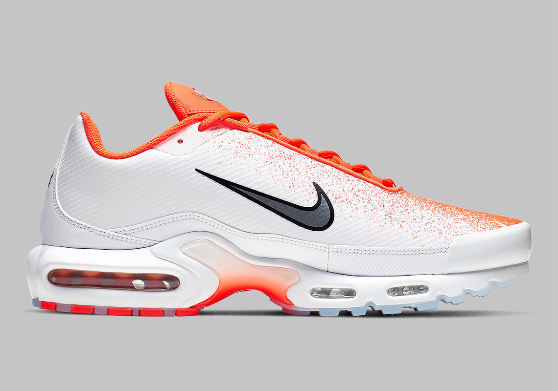 buy online 7ebc9 beb68 Nike Air Max Plus White Orange CI7701-800 | SneakerNews.com