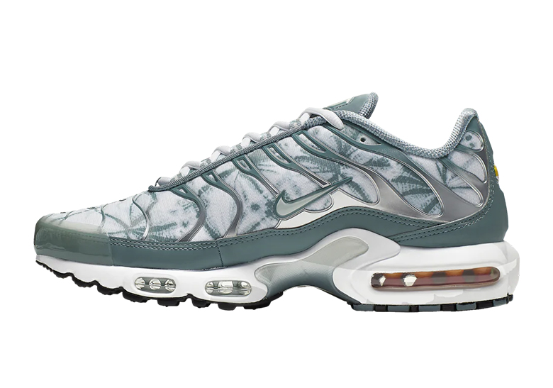 info for ac991 9fe10 Nike Air Max Plus Palm Pack Store List - Release Info   SneakerNews.com