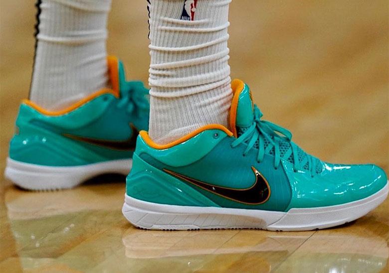 Undefeated Nike Kobe 4 Protro Release
