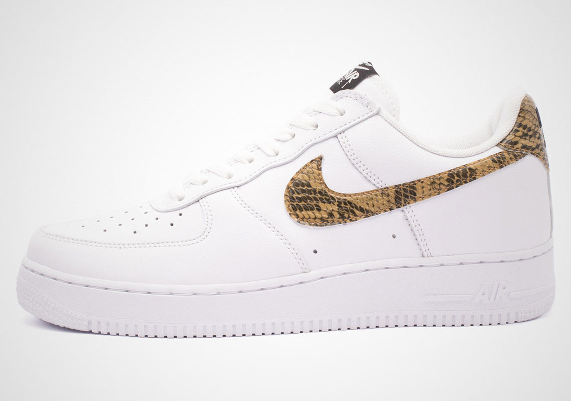 Mens Snakeskin Nike Nike Nike Air Force 1 Sneakers, Size 8