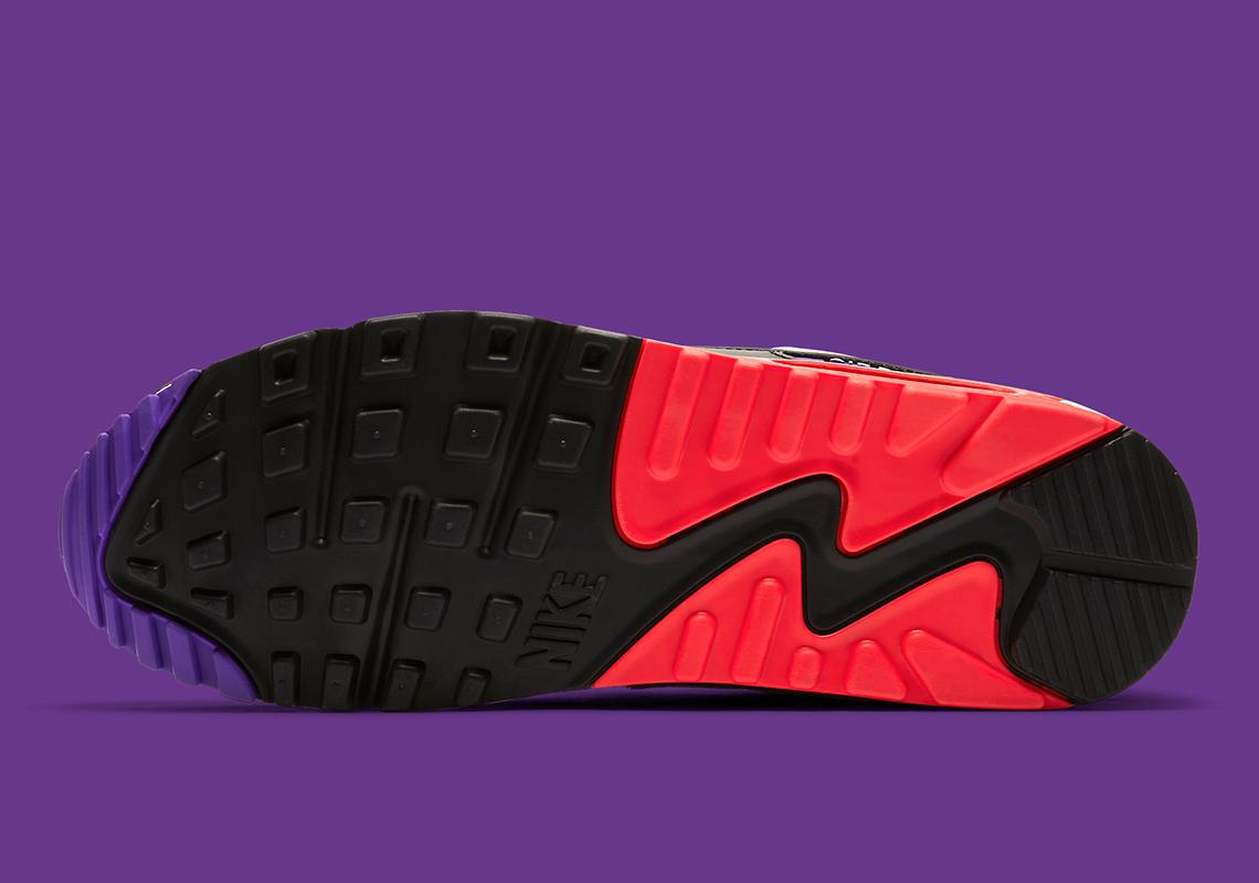 pretty nice 772eb 9ecce Nike Air Max 90 Dressed In Raptors Colors Amid NBA Finals