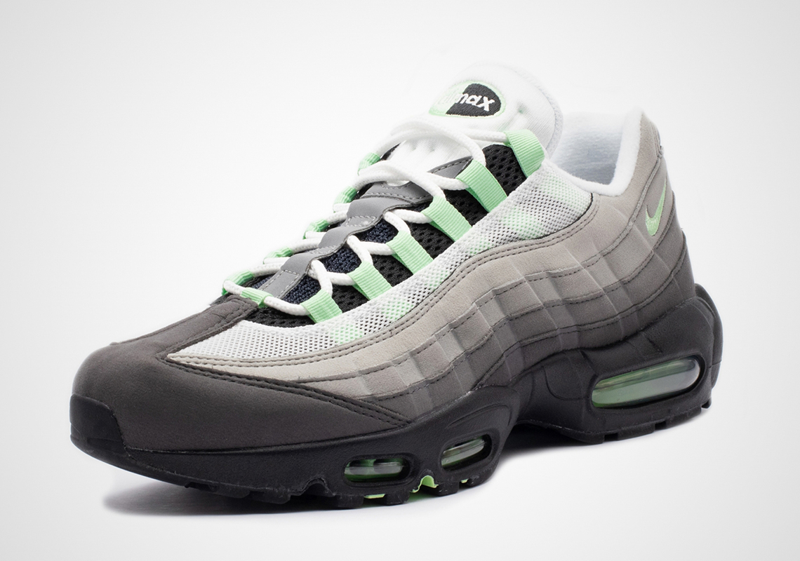 47e714d8 Nike Air Max 95 Fresh Mint CD7495-101 Store List | SneakerNews.com