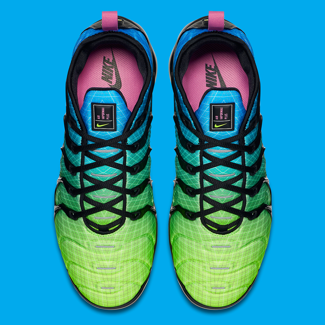 cheaper 0c27f 45f7e Nike Adds The OG Grid Detail To This Colorful Vapormax Plus ...