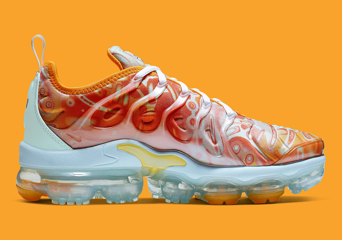 more photos 45bc6 f7a53 Nike Is Dropping A Vapormax Plus With Dip-Dyed Patterns ...