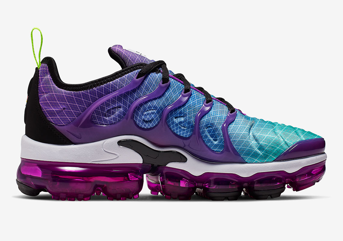 check out cef61 96647 Nike Vapormax Plus AO4550-900 Release Info | SneakerNews.com