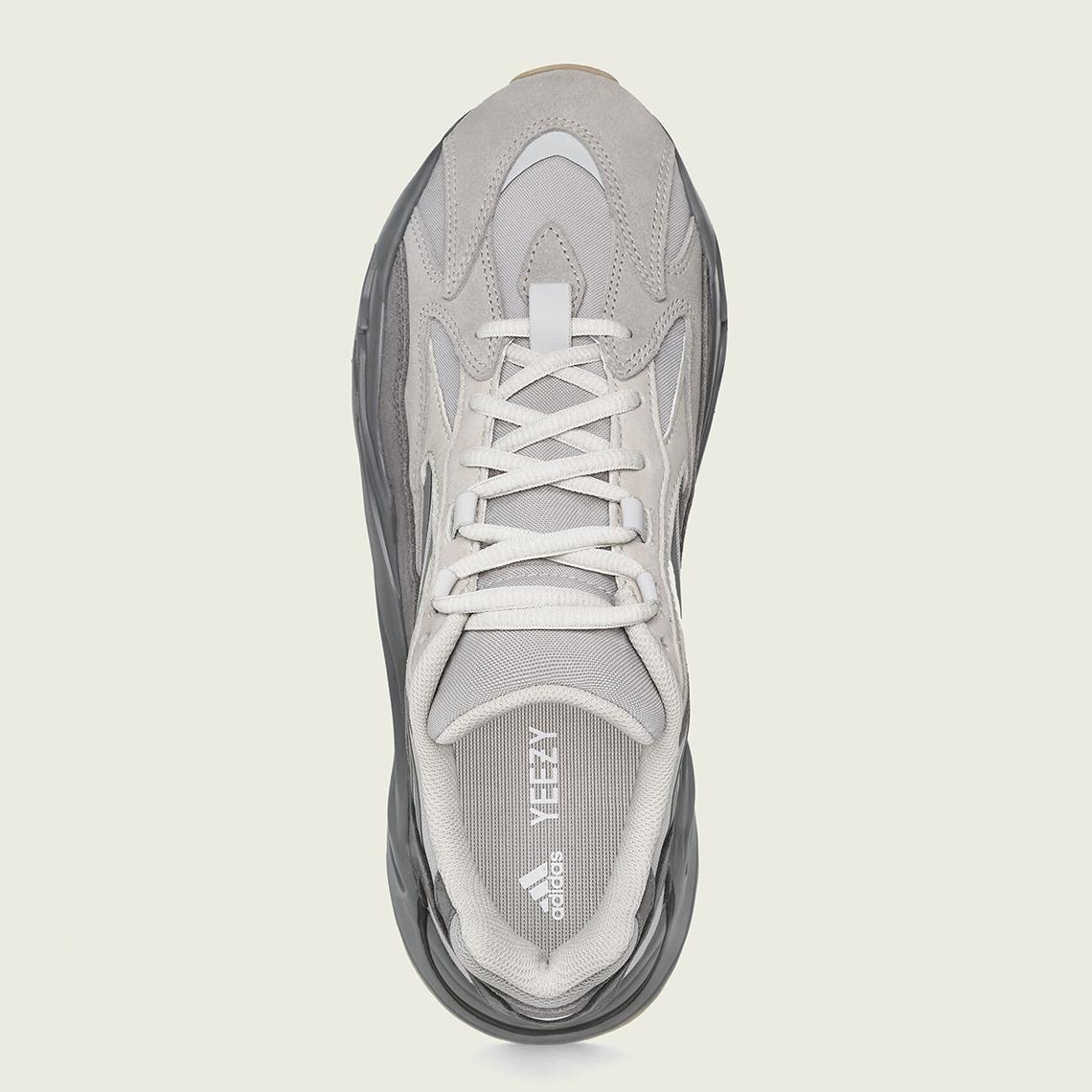 ganar Ondular Validación  adidas Yeezy Boost 700 v2 Tephra Official Release Info | SneakerNews.com