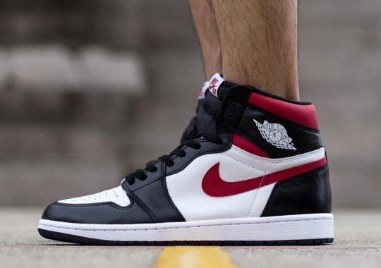 "On-Foot Look At The Upcoming Air Jordan 1 Retro High OG ""Black/Gym Red"""