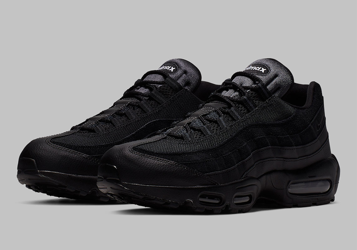 black on black nike air max