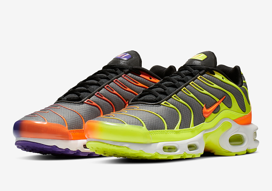 brand new c88ad 762f2 Nike Air Max Plus Color Flip CI5924-061 Release Date   SneakerNews.com