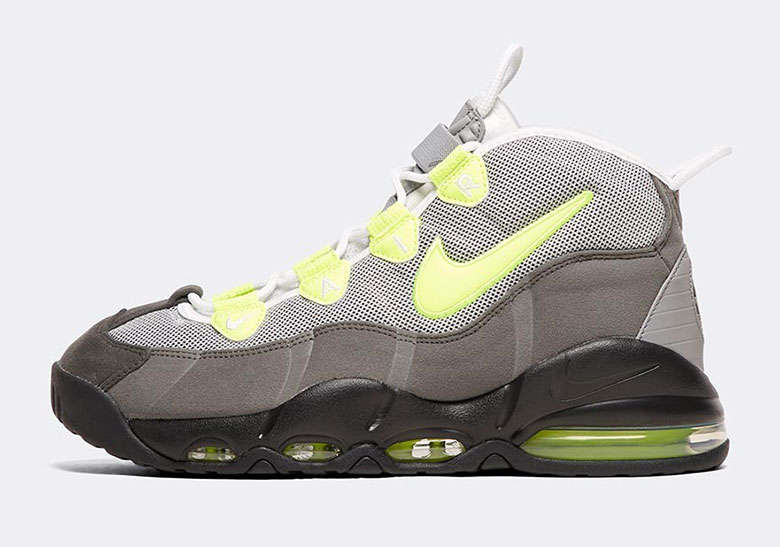 best service 897cb a4400 Two 1995 Icons Clash In This Nike Air Max Uptempo Colorway