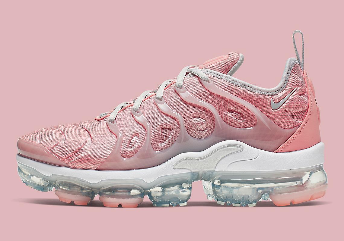 Nike Vapormax Plus Bleached Coral