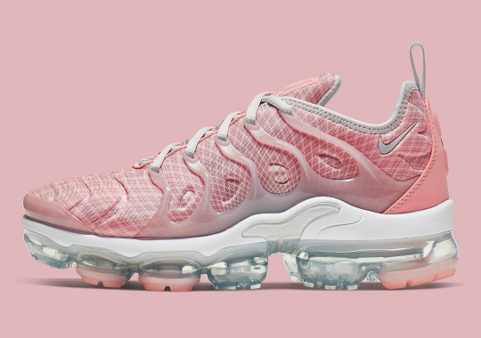 The Nike Vapormax Plus Outfits In Gridded Pink Uppers
