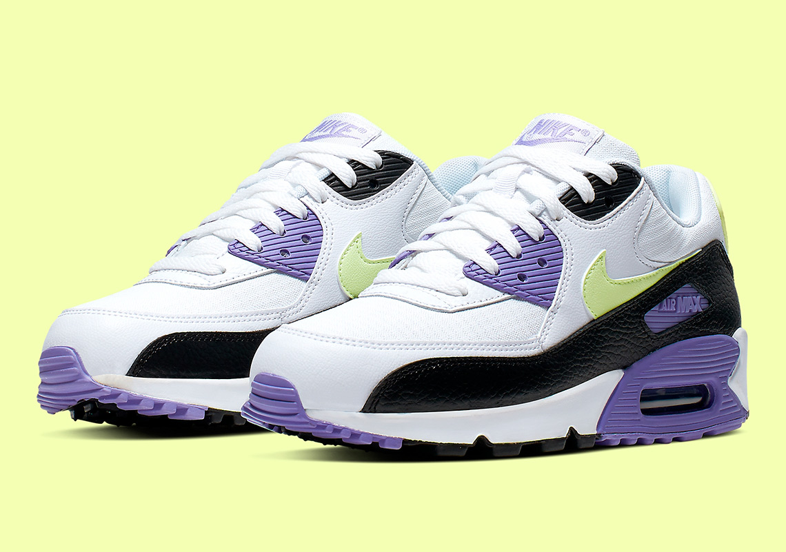 Nike Air Max 90 Womens 325213 142 White Barely Volt
